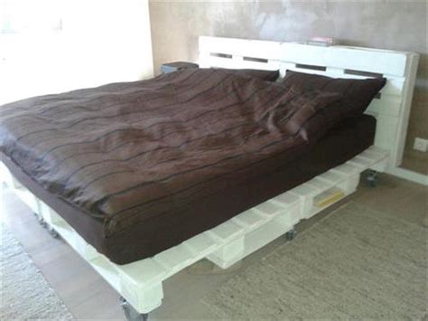 bed wheels diy pallet bed with wheels pallets designs