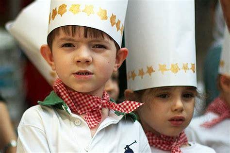 costumi carnevale fatti in casa idee per carnevale il costume da chef fatto in casa in