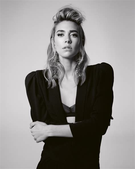 vanessa kirby is she married vanessa kirby on the crown text she got from helena bonham