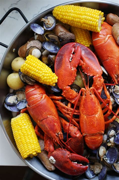 25 best ideas about lobster boil on pinterest lobster bake party clambake party and lobster bake