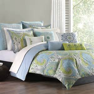 Paisley bedroom decor is so luscious from soft pastel paisley designs