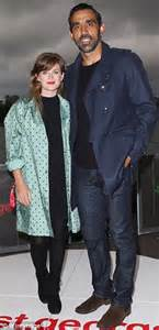 Batman Bed Kate Waterhouse Dons Black Ensemble For Movie With Ex