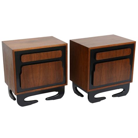 extraordinary kagan style bedside tables at 1stdibs