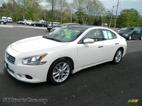 new nissan maxima white 2009 nissan maxima 3 5 sv in winter frost white 837515