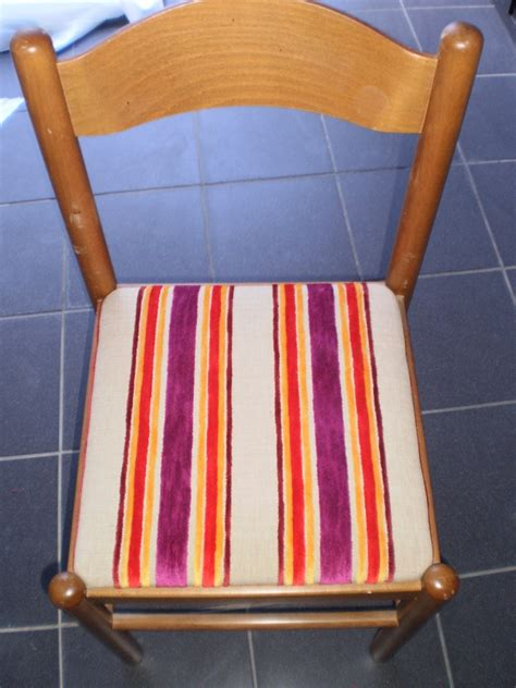 recouvrir chaise comment recouvrir une assise de chaise byseverine