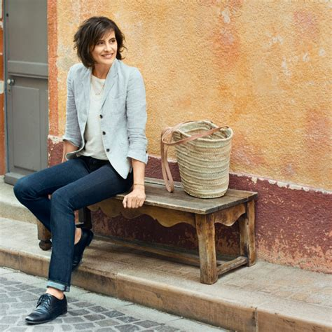 Chic Today Chic And Free by Parisian Chic A Style Guide By In 232 S De La Fressange