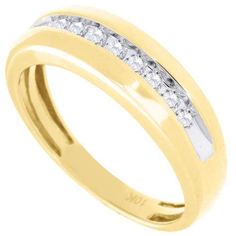 mens diamond wedding ring 10k yellow gold engagement band 1 4 diamond wedding band mens 10k yellow gold round cut