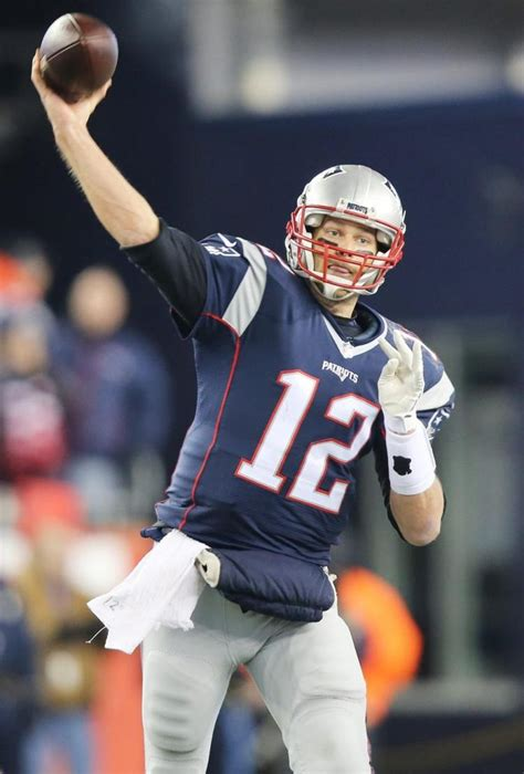 Go Giants And Throw Tom Brady His by Tom Brady Patriots Agree On 2 Year Extension Ny Daily News