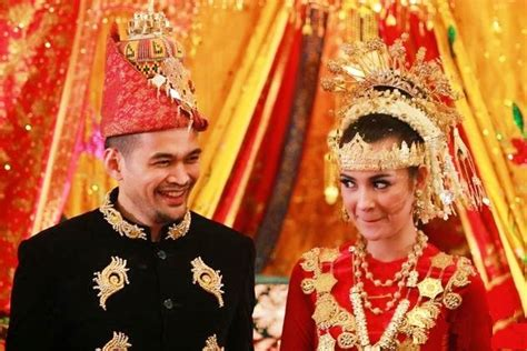 Baju Adat Suku Aceh makna filosofis dibalik pakaian adat aceh aceh net