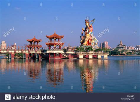 lotus lake kaohsiung taiwan taiwan kaohsiung lotus lake statue of taoist god xuan tian