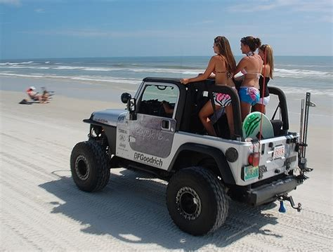 jeep wrangler beach jeep beach girls jeeps pinterest sun jeep and