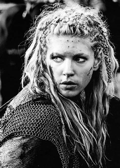vikings lagatha hair vikings lagertha i love that she has chains in her hair