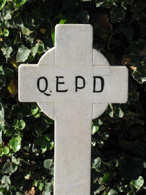 imagenes de tumbas terrorificas imagen de prod06 cementerio cruz cruces tumba tumbas