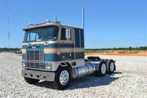 international  eagle  sleeper semi trucks