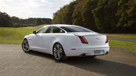 jaguar xj wallpaper jaguar xj hd wallpapers hd pictures