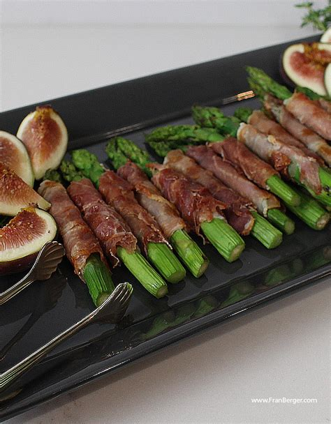 finger foods for christmas gatherings finger food prosciutto wrapped asparagus