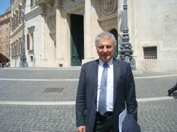 consolati italiani nel mondo italiani nel mondo il punto di fedi pd su consolati