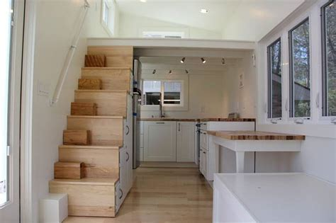 Modern tiny home boasts a big kitchen for foodies : TreeHugger