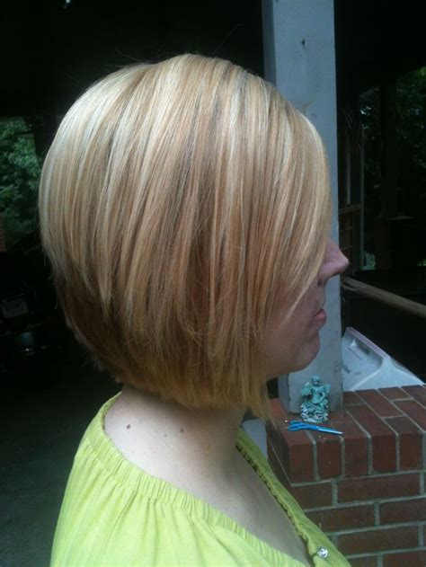 inverted bob chunky highlight chunky blonde highlights chunky lowlights on a short