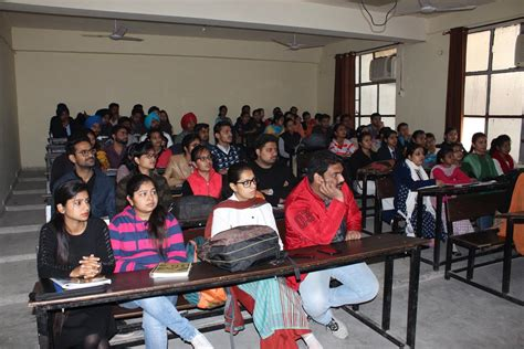 Lectures For Mba Students by Baba Farid Organised Lecture For Mba Students
