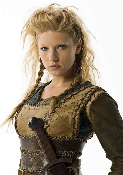 why did ragnar cut his hair off katheryn winnick talks vikings battling in harsh weather