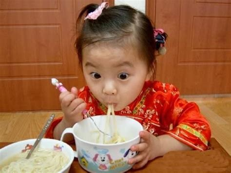chinese kid eating noodles love baby pinterest