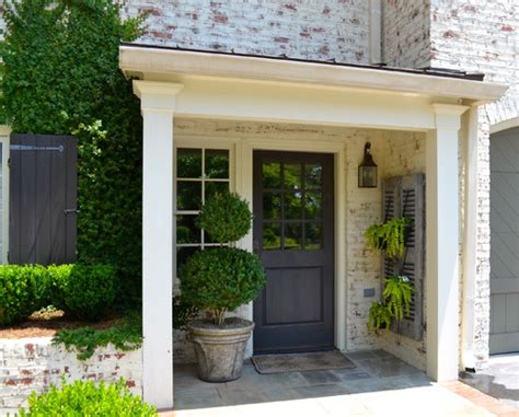 30 Front Door Colors With Tips For Choosing The Right One Traditional Front Door Colors