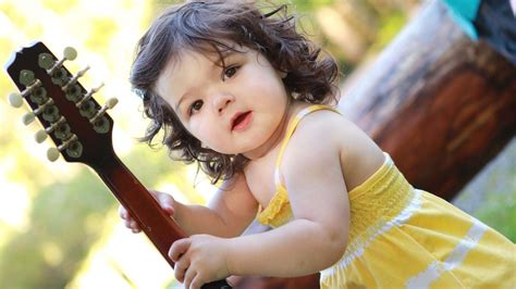Lovely Sweet White and lovely baby pictures free