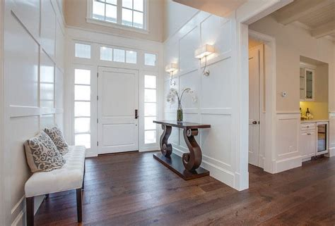 Wainscoting Foyer by 1000 Ideas About Foyer Wall Decor On Planked