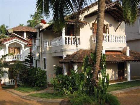 cottages in goa near baga happening goa accommodation