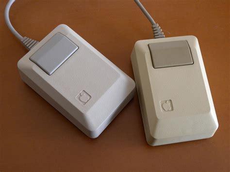 Macintosh Smiling Computer Mousepad by Apple Macintosh Mouse M0100 Mac History