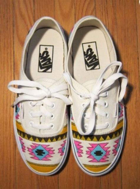 tribal pattern vans shoes tribal aztec painted shoes vans par denimtrend sur etsy