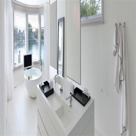 Large freestanding bath, free standing bathroom vanity