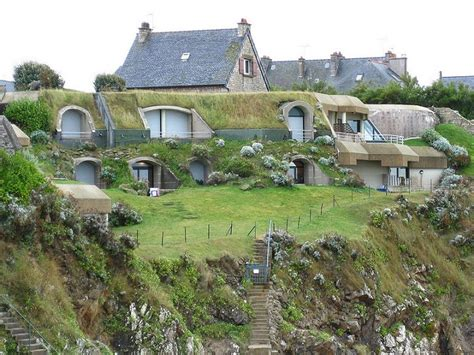 exceptional earth berm home mix of earth and normal earth sheltered homes www imgkid com the image kid has it