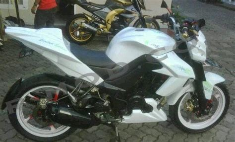 Cover Plat Motor Putih yamaha byson 187 187 radhit modifikasi