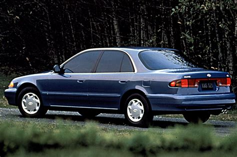 how to learn about cars 1995 hyundai sonata security system 1995 98 hyundai sonata consumer guide auto