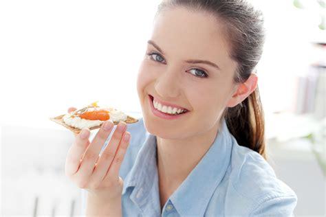 alimenti contenenti lievito intolleranza ai lieviti cosa mangiare e cosa evitare