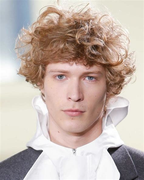 Mens Hairstyles How To by Curly Hair Our Fave Styles How To Work Them For