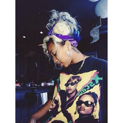 zonnique pullins tattoo on neck t shirt xscape omg girlz shirt tiny zonnique pullins