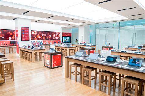 Server Room Floor Plan by Photos Inside Microsoft S Flagship Sydney Retail Store