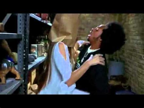 ghost film kiss scary movie 2 quot no kissing no kissing quot movie moments