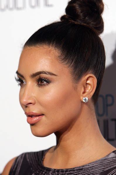 kim kardashian chanel earrings more pics of kim kardashian hair knot 1 of 26 kim
