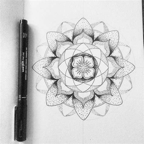 tattoo flower dot mandala flower dot work tattoo tatssss pinterest