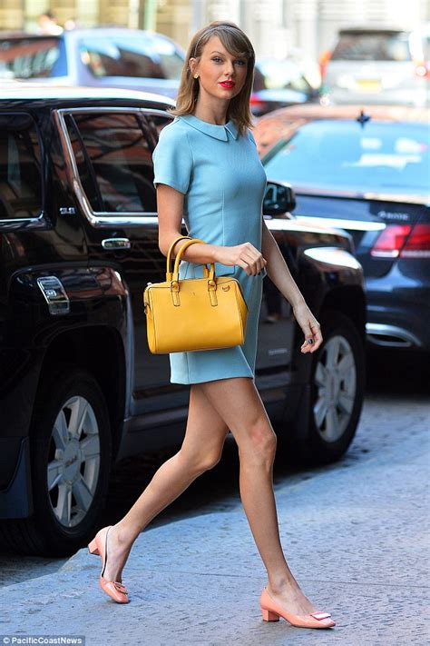 fifties legshows taylor swift shows off legs in shorts for girls dinner in