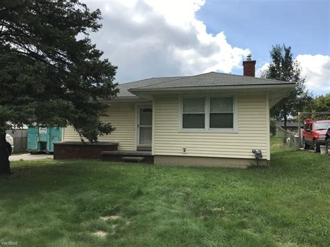3 bedrooms house for rent in pontiac mi 1165 cloverlawn dr pontiac mi 48340 rentals pontiac mi apartments