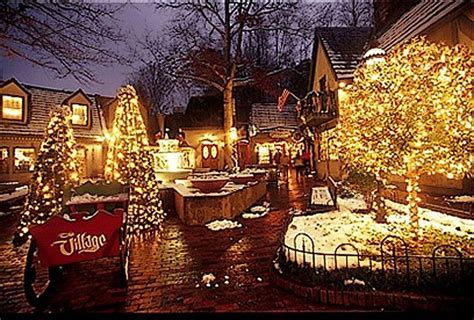christmas in gatlinburg tn the smokies pinterest