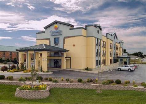 comfort suites springfield mo comfort inn suites springfield missouri hotel