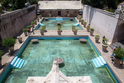 Water Heater Di Jogja istana air keraton di objek wisata taman sari ngetren