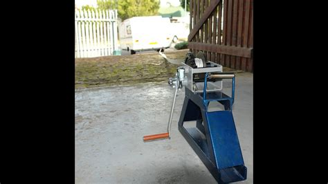 boat r up petingo manual winch used for caravan positioning up steep