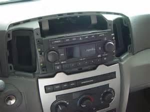 2007 2006 2005 jeep chrysler dodge 6 cd player radio gps